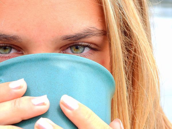 Check This Out Enjoying Life Relaxing Teatime Tea Tea Time TeaCup Girl Intense Eyes Hands Eye Intense Colors Close-up Close Up