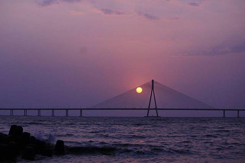 Bandra Worli Sea Link ~1~ (AWB - Fluorescent) . . . . . . . Sunset Mumbai Mumbai_bizarre Storiesofindia Canon Indianphotographers Photographersofindia Igers Instagram Canon_photos Igramming_india Soi Soi_india Streetsofindia