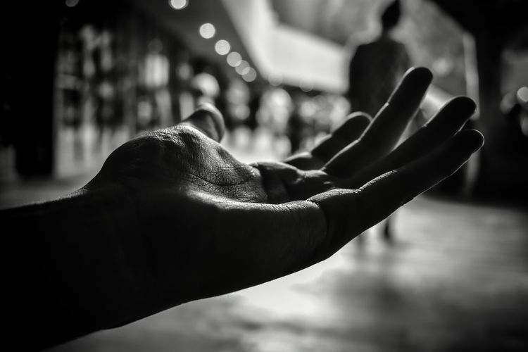 Noir Et Blanc Arts Culture And Entertainment Black Blackandwhite Close-up Focus On Foreground Human Body Part Human Finger Human Hand Indoors  Men Night Nostalgia One Person People Real People Surrealist Art Texture