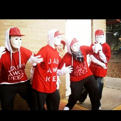 Too early for a throwback but ohwell..missing class of '09's muck up day! Classof09 4YearsAgo Jabbawockeez Muckupday goodtimes @dymplez92 @yussuf_010