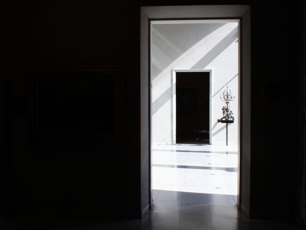 door, indoors, doorway, bathroom, reflection, architecture, open door, no people, built structure, entry, day
