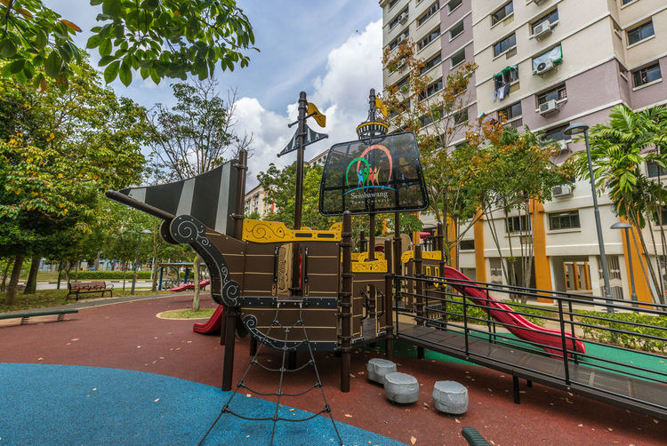 Here's some photos I took of two playgrounds in Circle Green Singapore back in Mar 2018. One is the largest I've actually seen in Woodlands/ Sembawang and the other is a pirate ship! Public Park Imaginative Play Outdoor Play Equipment Outdoors Pirate Ship Playground Public Residential Housing Sky #urbanana: The Urban Playground