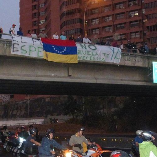 Venezuela SOSVenezuela ResistenciaVzla Sos laverdad estudiantes gobiernocorructo prayForVenezuela fuerza elquesecansapierde guarimba ResistenciaVzla marcha porlapaz 12M estudiantes caracas universidades paz pradodeleste santafe