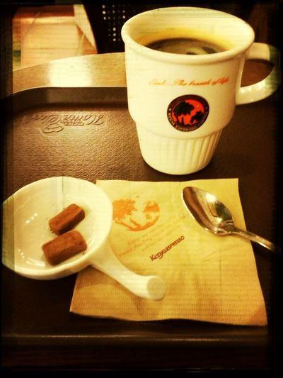 연이은 커피..나란 남자 카페인 중독?? ;'(