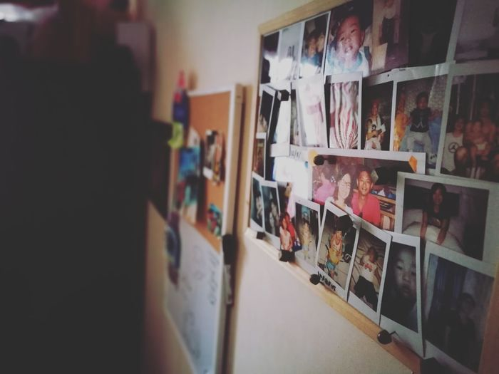 Indoors  Shelf Phoneography Kopics Photography Close-up Corkboard Pictures Picture Multi Colored Family Family❤ Bookshelf Kids Mornings Indoors  Wall Wall Decoration Wall Decor Photowall Instax Polaroid Polaroid Pictures