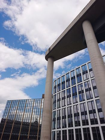 Architectures... Köln Mobilephotography Sonyxperiaphotography EyeEm Selects Architecture Lines And Shapes Modern Architecture Sky And Clouds Steel Glass - Material