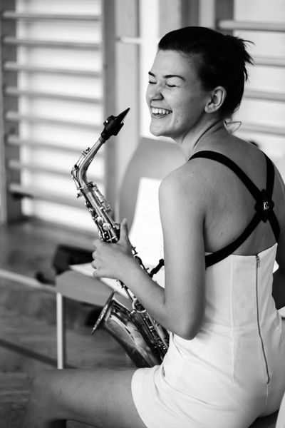 Portrait Of A Woman Portrait Woman Beauty Blackandwhite Musician Young Women Musical Instrument Classical Music Sitting Music Women Saxophone Arts Culture And Entertainment Beautiful Woman Jazz Music Saxophonist Wind Instrument Woodwind Instrument Music Style  Soloist Blues Music Rock Musician