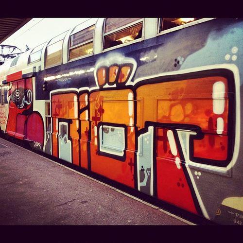 RER Sncf Transilien Riot graffiti vandal bombing graff