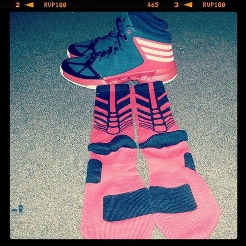 New Basketball Shoes And Red & Black NIKE Elite Socks .
