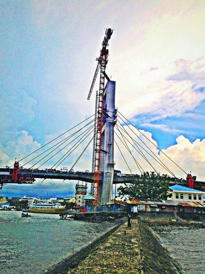 Un finish Soekarno bridge, Manado