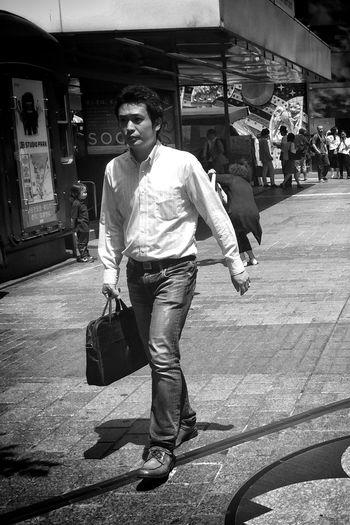 Monochrome Tokyo Blackandwhite Streetphoto_bw Streetphotography Japan Street Life Streetphotography_bw NEM Street Street