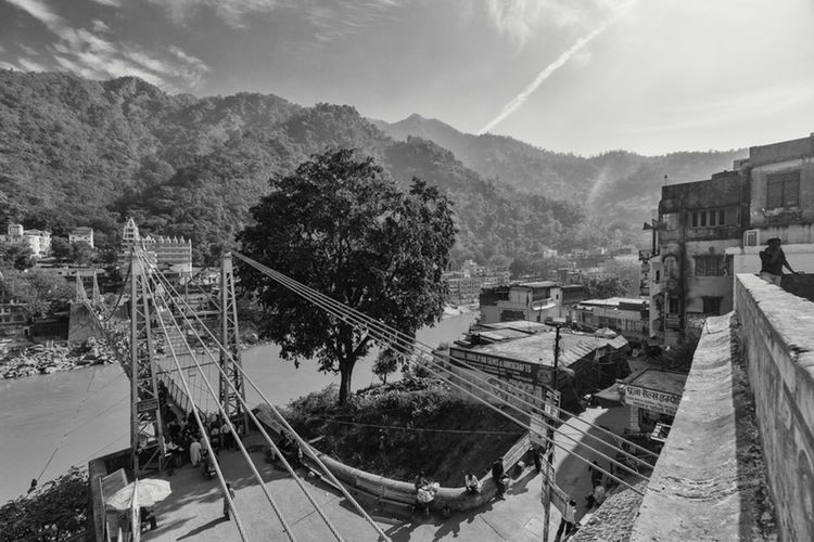 One more picture from the Lakshman Jhula in Rishikesh. The bridge was built by the British and completed in 1929. It's a beautiful construction and with all the leading lines a heaven for a photographer like me. Of course the monkeys down there are fun to watch, too. Traveling Shootermag EyeEm Best Shots Rishikesh The Traveler - 2015 EyeEm Awards