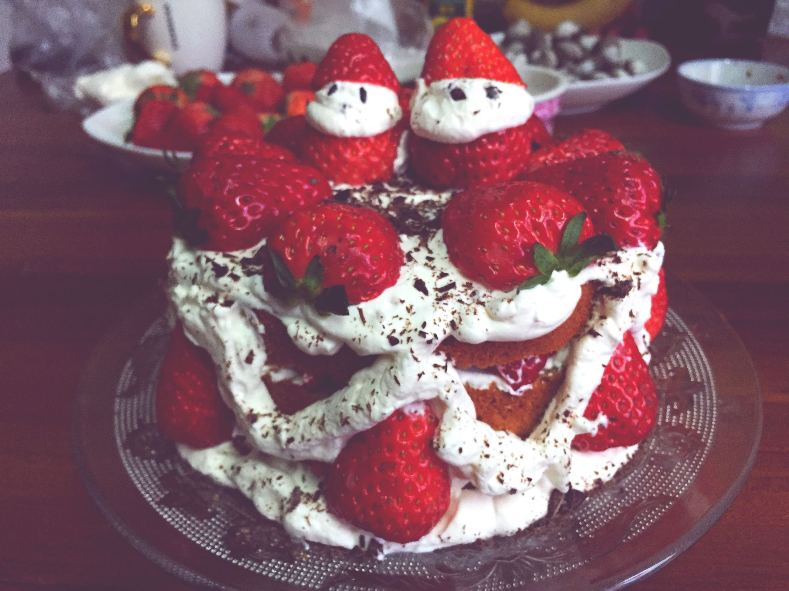 food and drink, food, indoors, freshness, strawberry, ready-to-eat, plate, sweet food, still life, indulgence, red, dessert, fruit, table, temptation, serving size, raspberry, cake, healthy eating