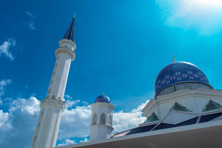 Sky view of Abdullah Fahim Mosque with blue sky. Mosque Views From Istanbul Architecture Blue Sky Building Exterior Built Structure Day Dome Dome View Low Angle View Mosque Muslim No People Outdoors Place Of Worship Religion Religion And Beliefs Sky Sky View Spirituality Tower View Travel Destinations