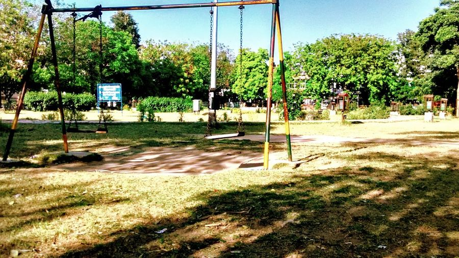 Beautiful Hdrphotography Taking Photos Enjoying Life Relaxing Hdr_Collection Lonely Swing A Day In The Park Photography Sunny Day ParkChildhood Memories Funtimes Redmi1scamera Leaves🌿
