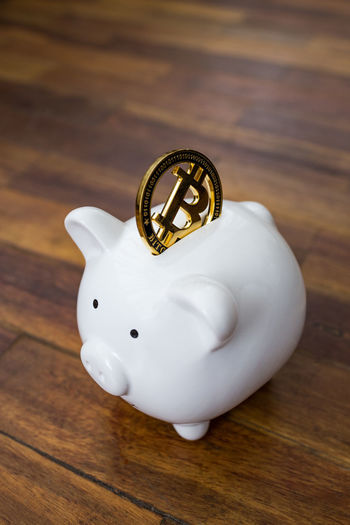 A gold bitcoin