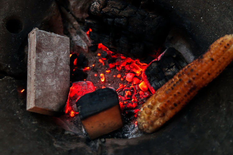 Corn Coal Burning Bhutta 50mm F1.8 EyeEm Gallery The Week On EyeEm Rainy Days Arts Culture And Entertainment