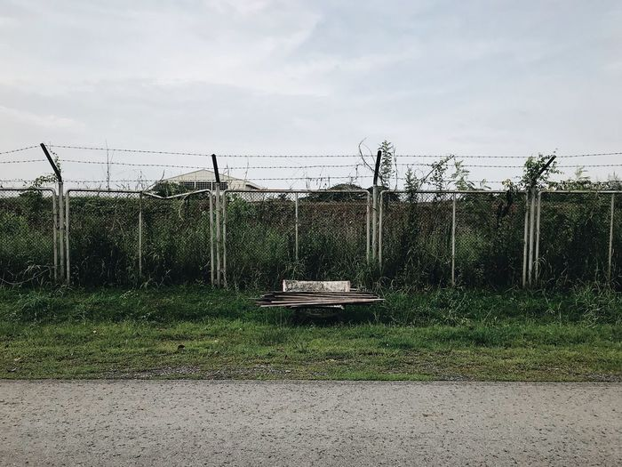 IPhoneography IPhone7Plus VSCO Sky Fence Nature Boundary Day Barrier No People