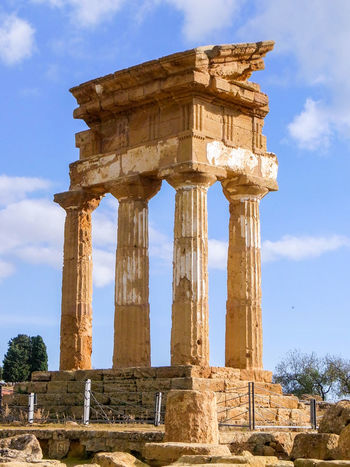 The Temple of the Dioscuri in Agrigento (Sicily) Agrigento Ancient Archeology Architecture Columns Dioscuri Greek Heritage Historic Italy Landmark Outdoors Ruins Sicily Sunny Temple Temple Of The Dioscuri Unesco UNESCO World Heritage Site Valle Dei Templi Valley Of The Temples