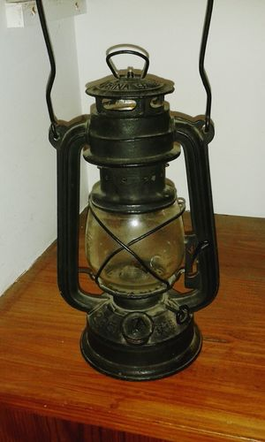 Photographic Memory Victorian Oil Lamp.