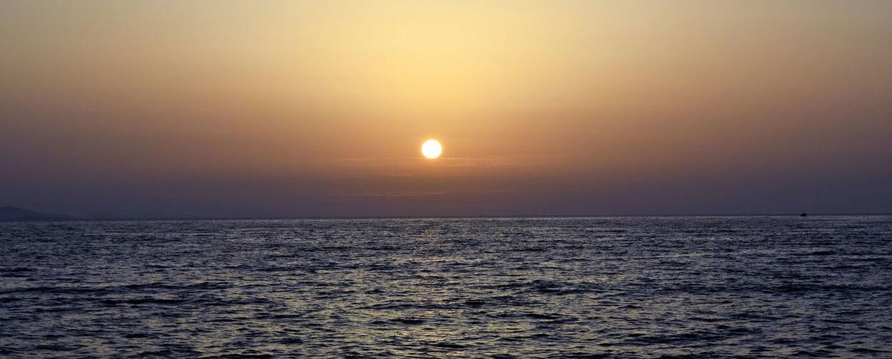 Calm Horizon Over Water Idyllic Ocean Outdoors Scenics Sea Sky Sun Sunset Tranquility Water