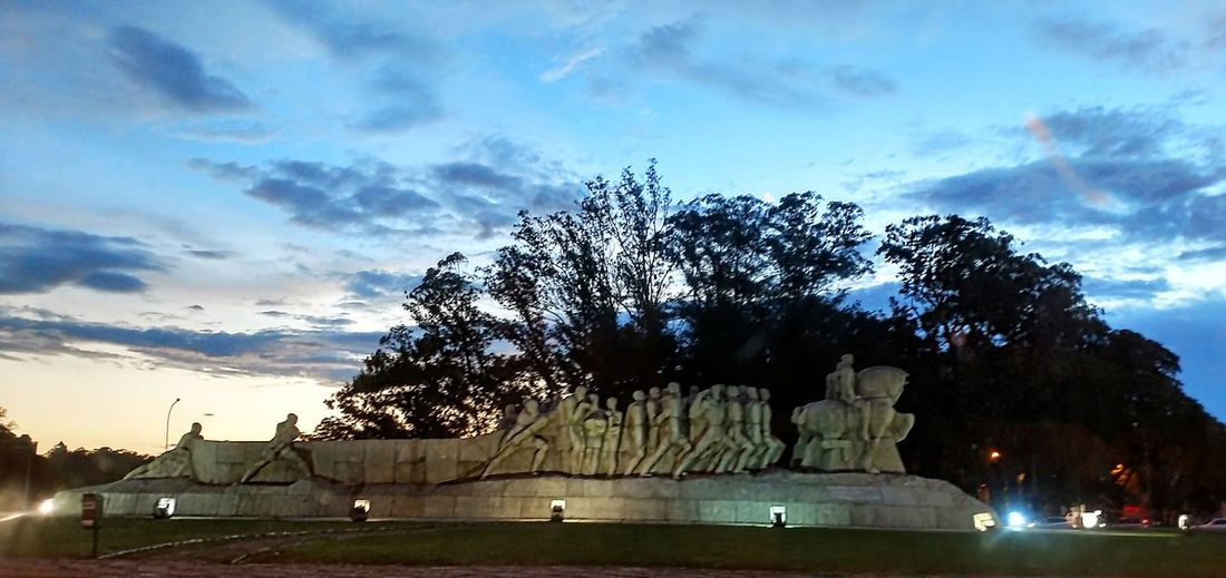 Tree Sao Paulo - Brazil Monument Outdoors No People Sunset Ibirapuerapark Walking Around My City Summer Lifestyle Uniqueness Culture Miles Away