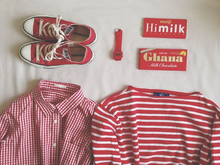 赤色が好き。大好きな板チョコのパッケージも赤‼️ お菓子 おやつ チョコレート ギンガムチェック ボーダー
