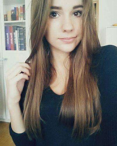 Cheveux coupé, un peu de regret j'avoue 😌 Picoftheday French Girl Goodday Eyeempic Faces Of EyeEm Ready To Go