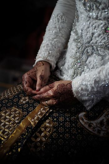 I'm ready Be. Ready. Canon EyeEmNewHere FUJIFILM X-T10 Fujifilm_series Culture Of Indonesia Culture; Cultureofindonesia Marriage  Marriage Ceremony Marriage Photography Marryme Wedding Wedding Photography Wedding Dress Wedding Day Weddings Around The World Wedding Ceremony Wedding Party Ready! Henna Henna Tattoo Henna Art Henna Design Henna Artist
