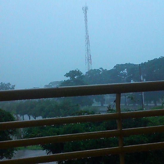 Día para dormir (・へ・) Uny FR ío Lluvia Raining Yacambú Exposiciones ╮(╯◇╰)╭