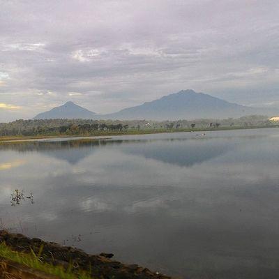Merapi merbabu pagi ini WadukBade MerapiMerbabu INDONESIA