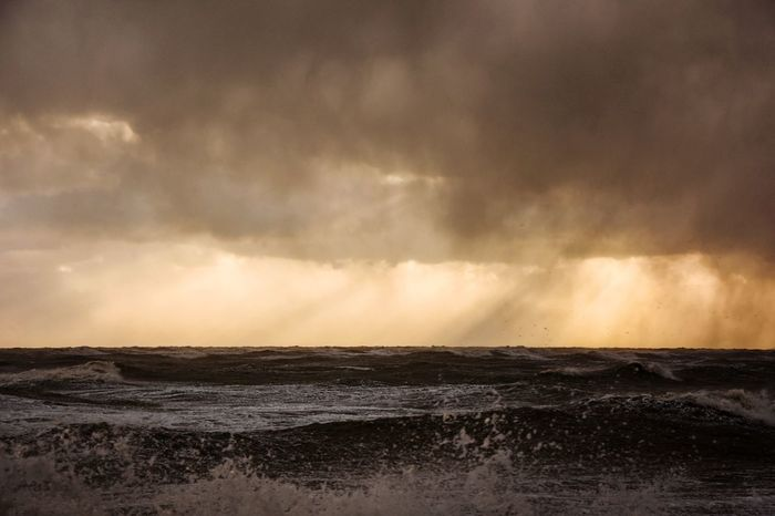 Sea Tempest Power In Nature Wave Storm Italy Motion Rain Nature Winter Cloud - Sky