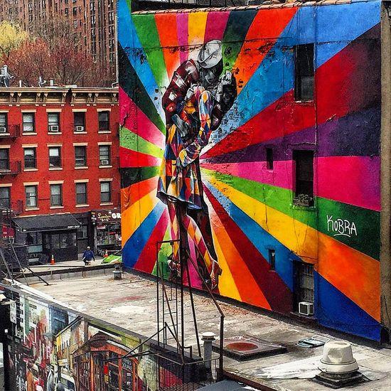 Spectrum Kiss Streetphotography Streetart Graffiti Art Mural Newyork Photanaka Wall Art Spectrum Colors