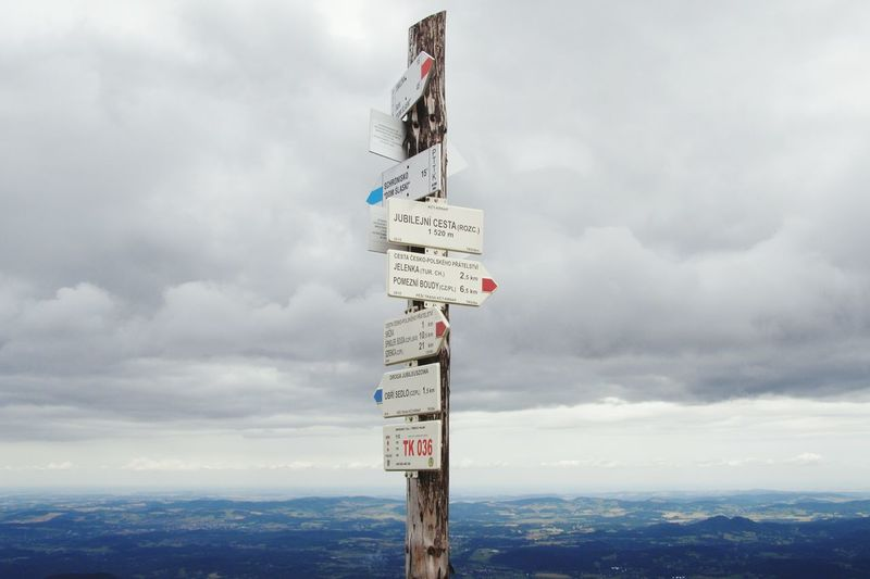 Cloud - Sky Mountain Symbol Scenics Guidance Life Sky No People Karpacz Carpatian Mountains