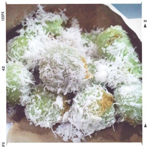 Indo Taste Goodies Foodies FunJunkFood Ol Time Classic kue klepon / putu