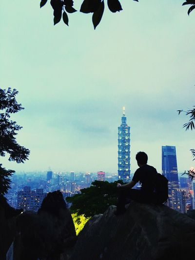 Xiangshan Taipei 101 Taipei 101 Goodlocation Taiwan Built Structure Architecture Building Exterior Sky Real People City Tall - High People Men Building