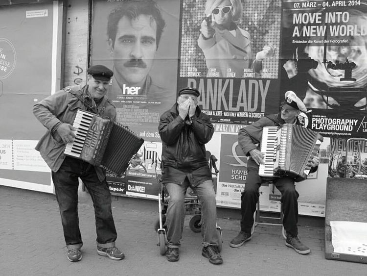 RePicture Ageing Advertising Streetphotography Street Musicians Happiness Is.... Song Band Humaninterest Black And White Black And White Photography Check This Out Up Close Street Photograpy Street Photography From Where I Stand Up Close With Street Photography Blackandwhite Photography Blackandwhitephotography Black And White Collection  Street Advertising Movie Poster Musicians Street Musician
