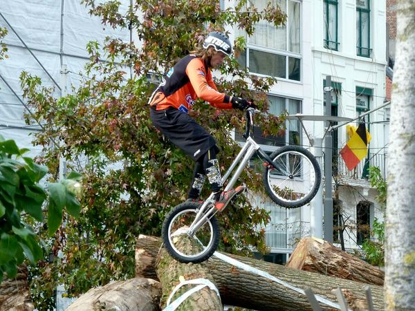 The Action Photographer - 2015 EyeEm Awards On Your Bike Going The Distance Sport In The City Adrenaline Junkie Bike Celebrate Your Ride Alternative Fitness Adventure Club Adapted To The City