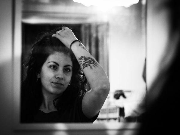 Young Women Beautiful Woman Human Face Portrait Headshot Women Domestic Room Home Interior Window Domestic Life Mirror Vanity Vanity Mirror Make-up Brush Thoughtful Dressing Room The Portraitist - 2018 EyeEm Awards