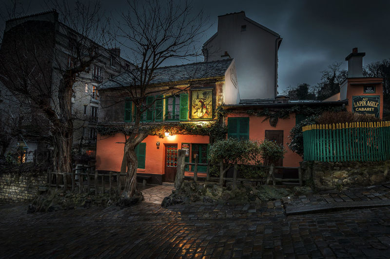Prise un jour de pluie - cabaret parisien Cabaret First Eyeem Photo France Lapin Agile Light Montmartre Night Rain
