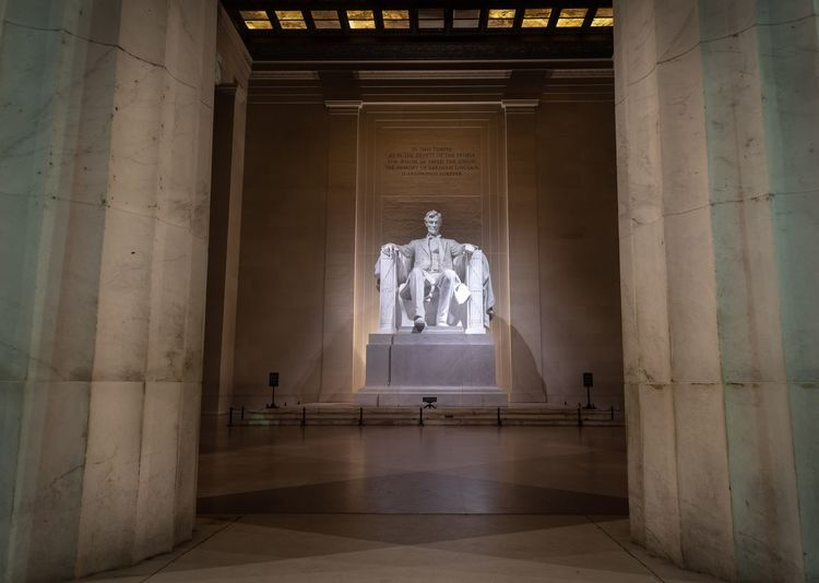 Lincoln Lincoln President Architecture Travel Destinations Built Structure Travel Indoors  No People Religion Sculpture Human Representation History The Past Tourism
