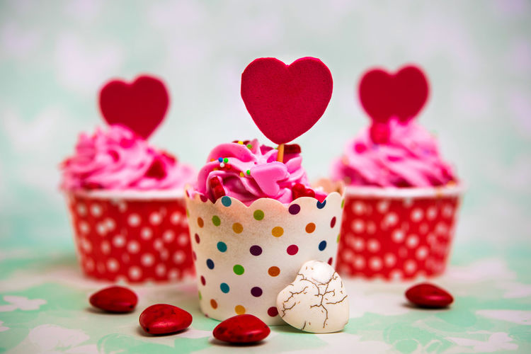 Colorful love cupcake for Valentine day Heart Shape Close-up Indoors  Food And Drink Focus On Foreground No People Positive Emotion Red Container Love Food Emotion Celebration Sweet Sweet Food Still Life Basket Table Polka Dot Valentine's Day - Holiday Box - Container Temptation Dessert Valentine's Day