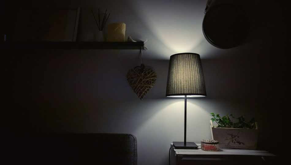 Interior Style Lamp Light And Shadow Atmosphere Hanging Out Hello World Check This Out Relaxing Enjoying Life Taking Photos IMography Mobile Photography N6p Getting Inspired Fresh 3 Eye4photography  My Perspective Capture The Moment The Magic Mission My Fevorite Place