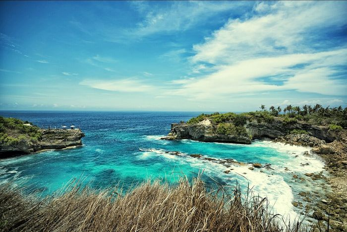 Nice Day, Blue Sky, Blue Ocean, Bali, Landscape, Wide Angle, Rocky Beach, Taking Photos, Nusa Ceningan, Cliff Diving