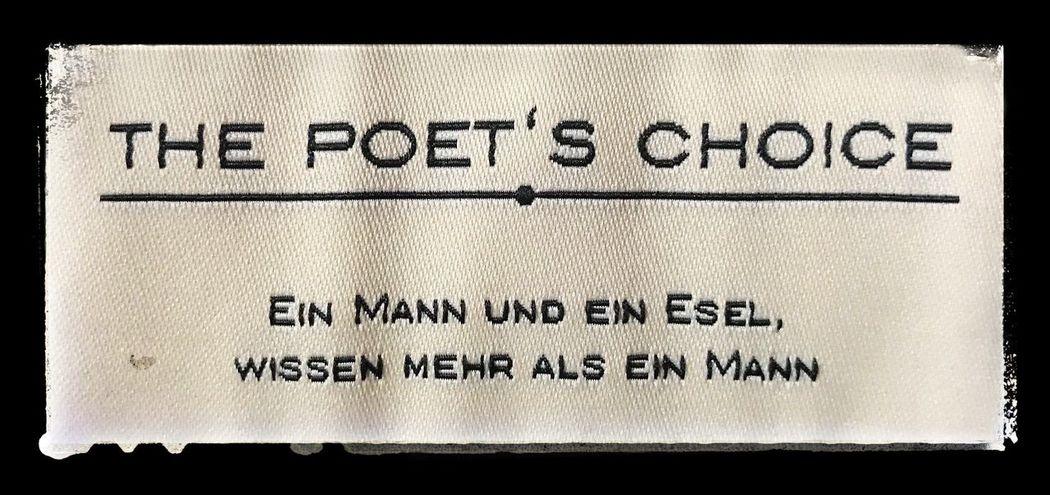 Die Wahl des Dichters Textures And Surfaces Sprichwort Warum Nicht Einfach So? Dichter Und Denker Text No People Close-up Day