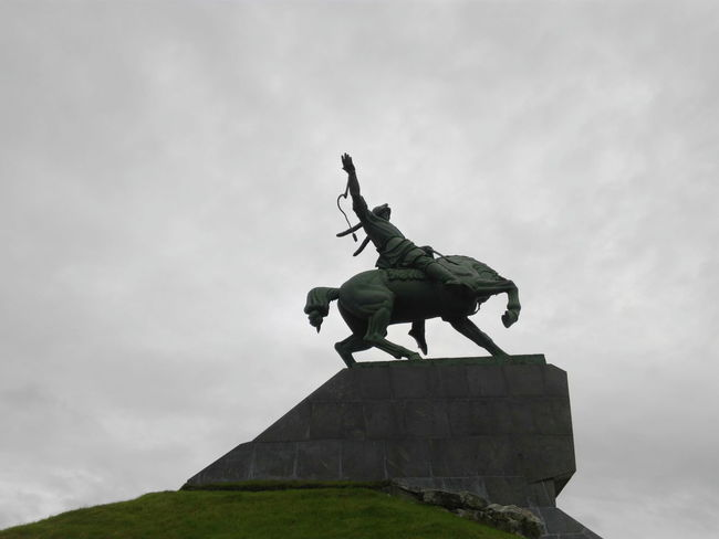 Statue History Animal Representation Army Soldier Sculpture Day Outdoors Army Adult People Military Sky One Man Only Only Men Salavat Yulaev Салават юлаев Национальный герой