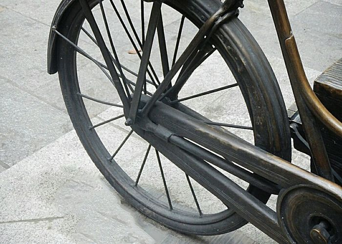 Wheel Bicycle Spoke Transportation Mode Of Transport Tire Old-fashioned Vehicle Part Pedal Wagon Wheel No People Close-up Outdoors Day EyeEm Gallery Transportation Old Old Buildings Oldphoto Old Photo