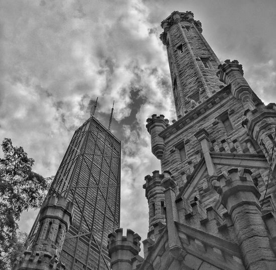 Water Tower Chicago Architecture Sears Tower Skyscrapers Old And New Architecture Contrast Architecture Illinois Downtown Chicago Hancock HancockTower Hancockbuilding Chicago Architecture Chicago Downtown Chicago ♥ The Architect - 2017 EyeEm Awards Stories From The City