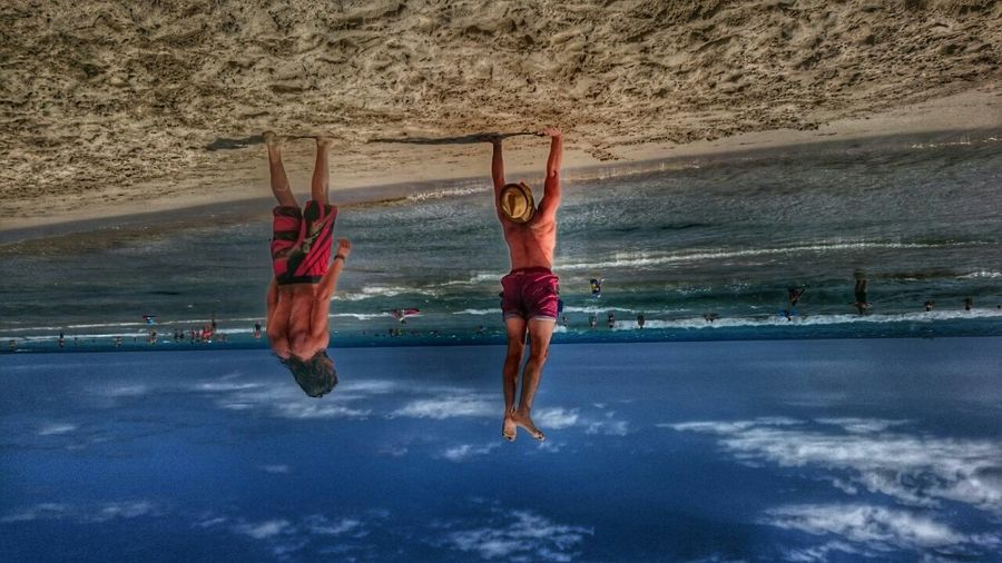 Don't worry, i got you guys! Lifting The World Flying Around Life Is A Beach Handstand  Hdr_Collection