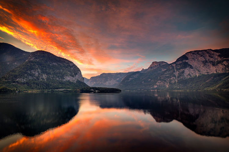 Hallstätter See Hallstätter See Summer Hallstatt, Austria Travel Reflection Sky After Sunset Water Mountain Sunset Lake Reflection Mountain Peak Reflection Lake Rocky Mountains Standing Water Dramatic Landscape Dramatic Sky Natural Landmark